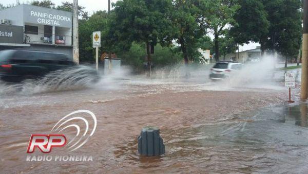 Tangará da Serra registra alagamentos com chuvas; pode chover no final de semana